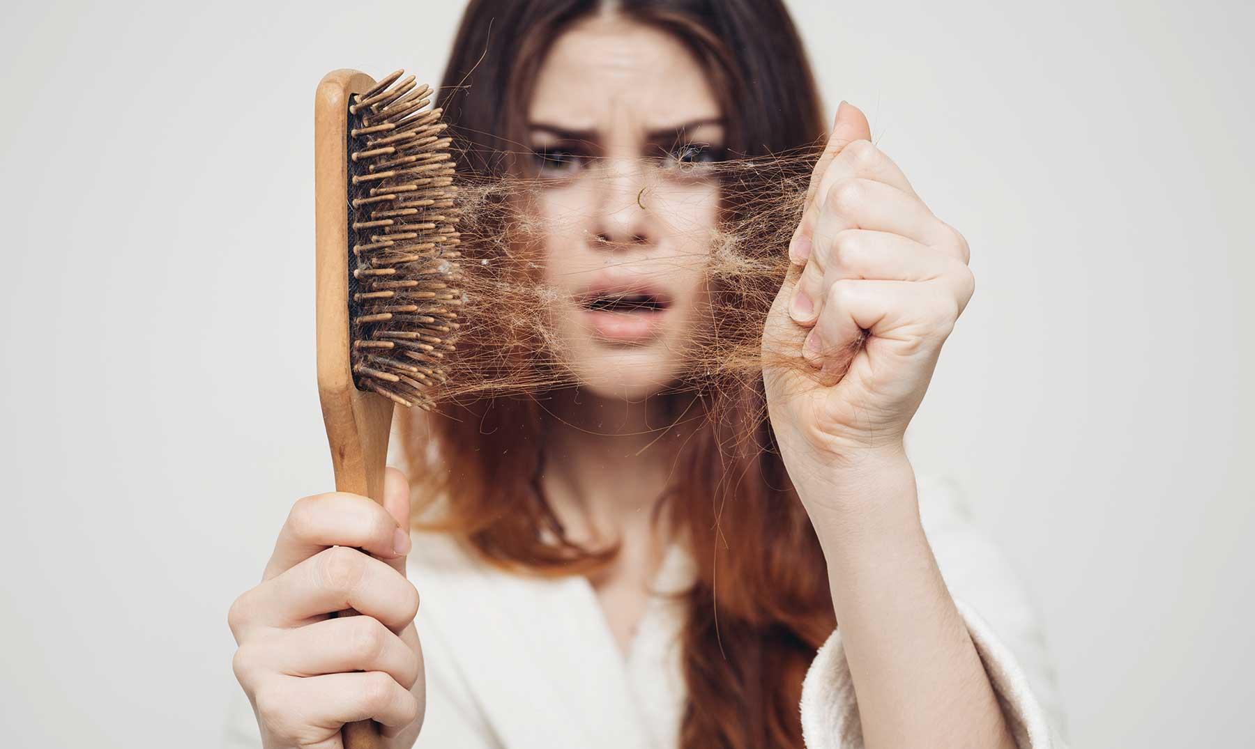 Cómo disminuir la caída del cabello tras el parto